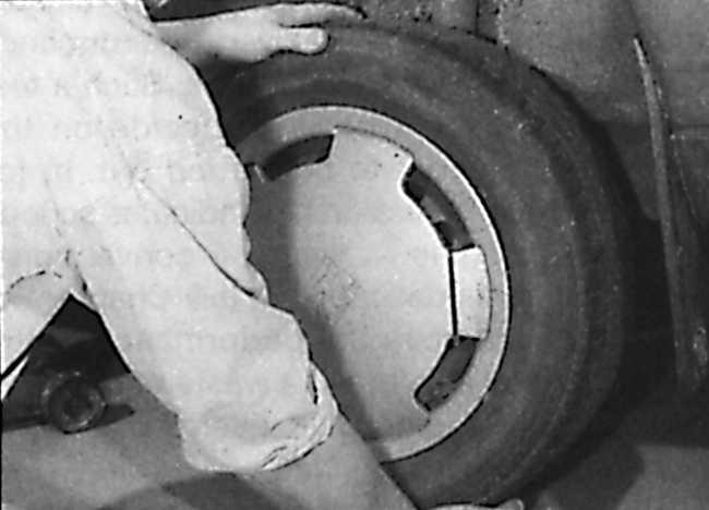 вертикальный люфт колеса опель